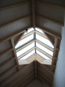 Dachstuhl mit Dachfenster