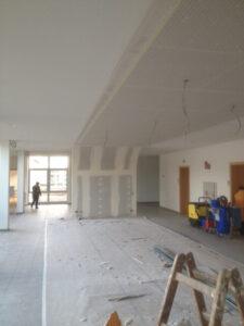 Neugestaltung im Pausenraum Der Fachhochschule Landshut vorher